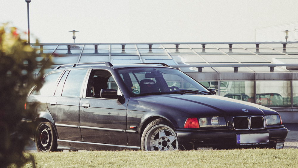 BMW e36 touring wagon for street drift